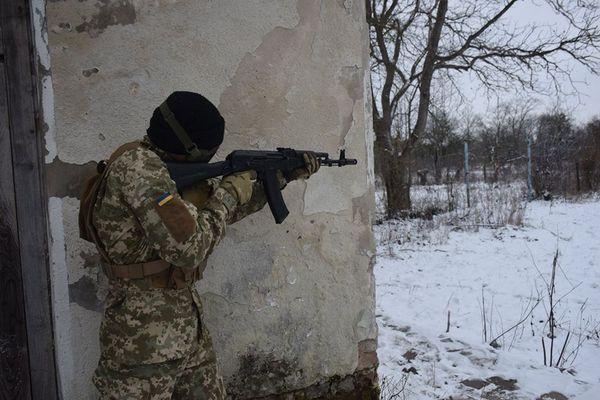 Тернопільські артилеристи зіграли у страйкбол та змагалися у стрільбі з командою курсантів «Залізні вовки»