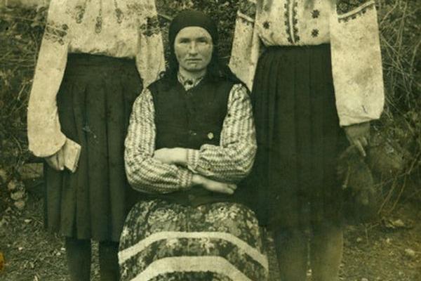 Мешканці села Торське на ретро фото