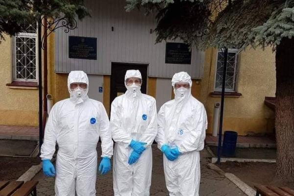 Працівники Тернопільського лабораторного центру провели тренування, щоб бути готовими до роботи з коронавірусом