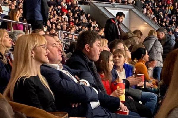 Скандальний Гладковський зводив свою тернопільську коханку в цирк