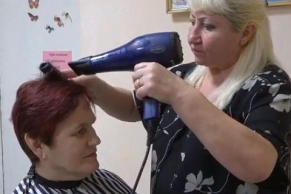 Тернопіль: безкоштовні перукарські послуги для пенсіонерів та інвалідів