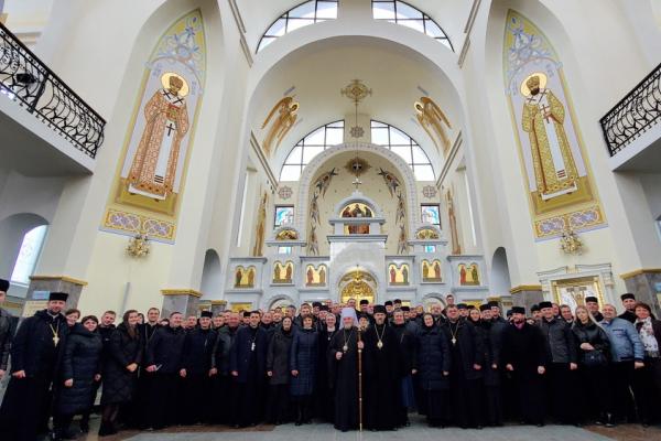 У Зарваниці відбувся Собор Тернопільсько-Зборівської архиєпархії на тему еміграції