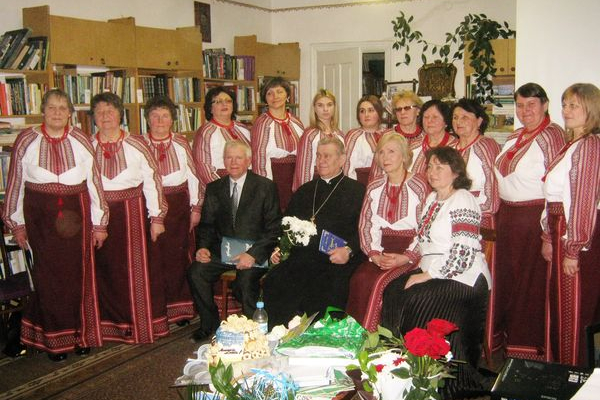 Теребовлянський священик пише вірші на славу Божу