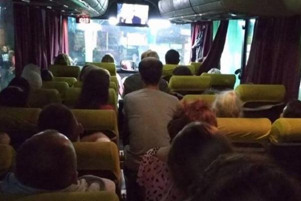 Тернополянам радять утриматися від поїздок за кордон