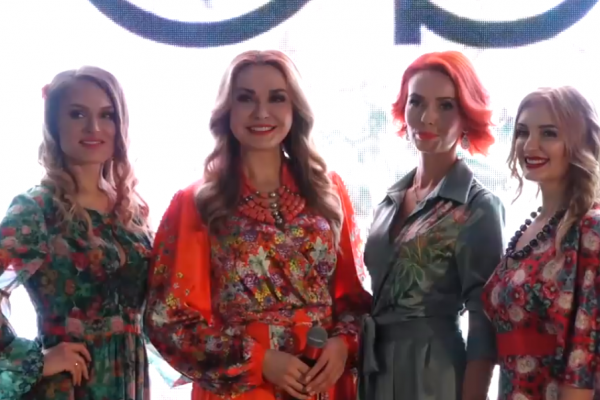 Успішні тернополянки репрезентували сукні від Ольги Сумської із колекції «Ridna»