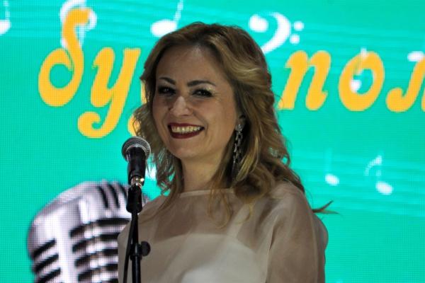 Тернопільська співачка спрезентувала пісню «Ми на краю»