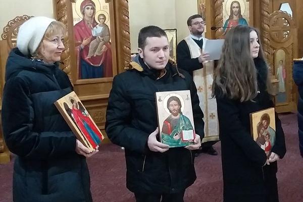 Учасник проєкту «Карітасу» - «Життя у повноті» Олег Ярош написав свою першу ікону