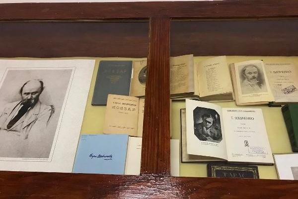 У Тернополі відкрили книжкову виставку до Шевченківських днів