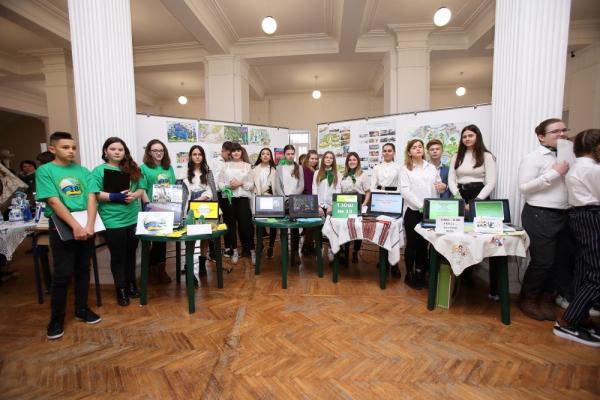 Учні тернопільських шкіл презентували інноваційні рішення для облаштування майбутнього міського парку
