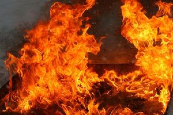 На Тернопільщині спалахнув кузов з дровами