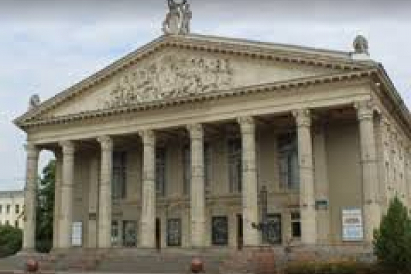 Тернопільський драмтеатр припинив показ вистав