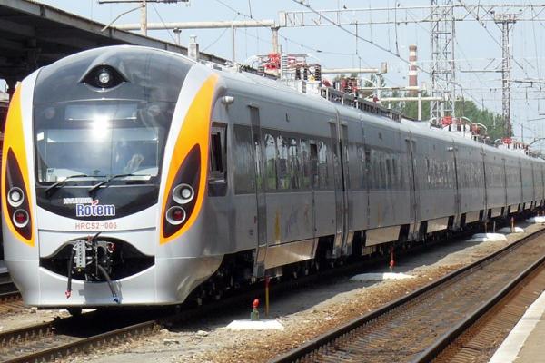 У Тернопіль повернули комфортні вагони потяга до столиці