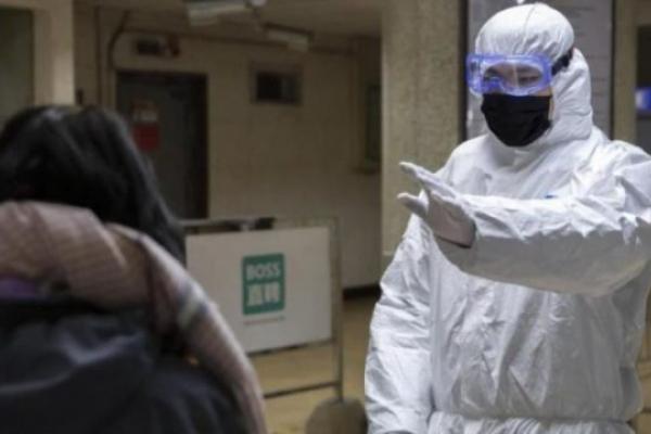 Лікарі висловилися за введення повного локдауну в Україні: «хворі лежать, як на полі бою»