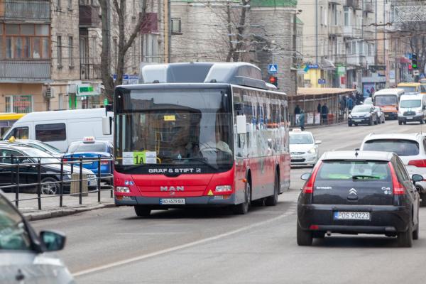 У тернопільських автобусах  перевозитимуть не більше 10 людей