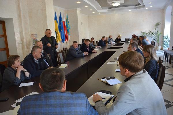 Аграрії Теребовлянщини хочуть дати гроші медзакладам громади, щоб там були готові прийняти хворих на COVID-19