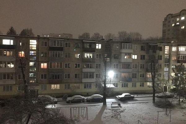 «Як сніг на голову» - у Тернополі снігопад у середині березня