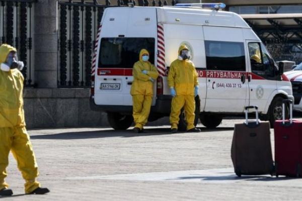 На станції екстреної швидкої допомоги у Тернополі спалах коронавірусу
