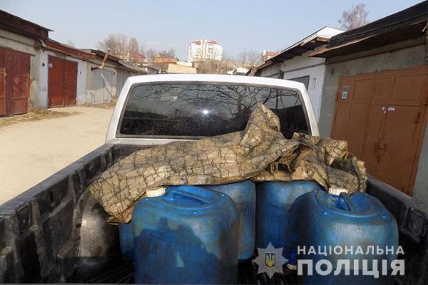 Тернопільщина: у провідника залізниці вилучили понад 800 літрів краденого дизпалива