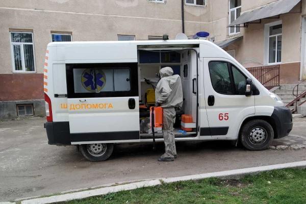 «У вас може бути коронавірус»: на Тернопільщині розшукують усіх хто контактував з хворим священником