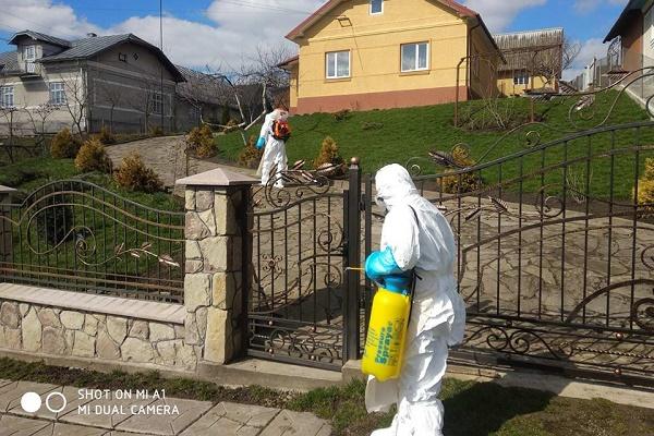 Будинки, двори та громадські місця продезінфікували у Монастириському районі