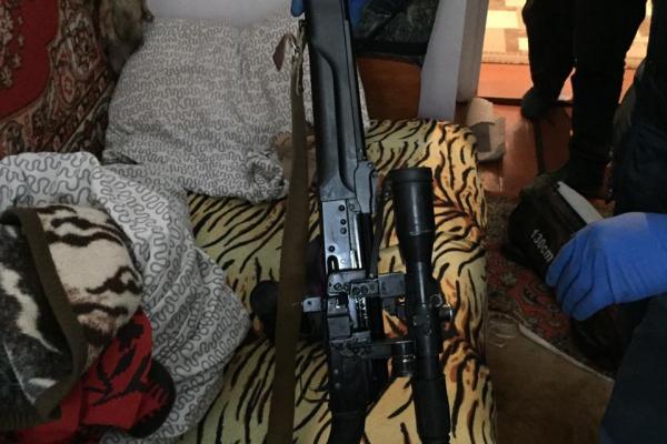 Тернопільщина: у чоловіка виявили арсенал зброї