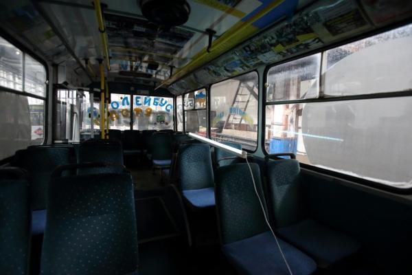 Тернопіль: для знезараження повітря в тролейбусах використовують бактерицидні лампи
