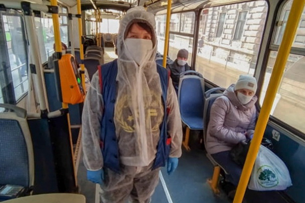 Тернопіль: кондукторам та водіям громадського транспорту видаватимуть спецодяг