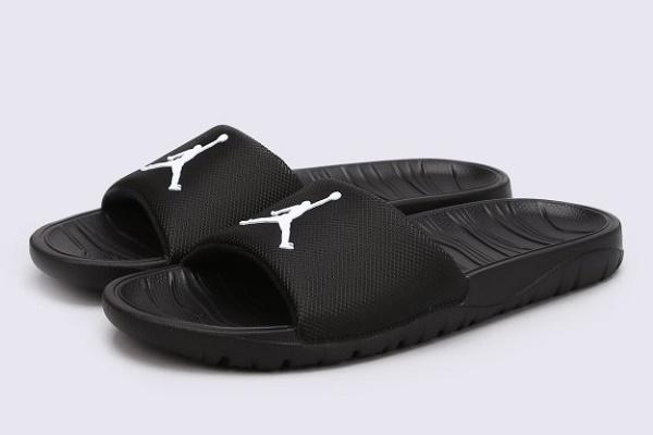 Чоловічі сланці — найбільш популярне взуття для літа