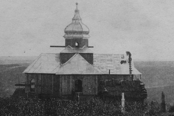 Церква в Калинівці на ретро фото