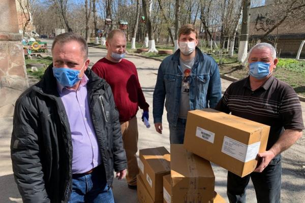 На Тернопільщині безкоштовно роздають ліки два благодійні фонди