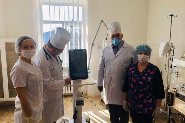 «Допомагає врятувати людські життя»: на Тернопільщину передали апарат штучної вентиляції легень