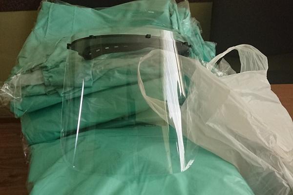 У Підволочиській громаді для лікарів закуповують захисні щитки, костюми, маски і рукавиці
