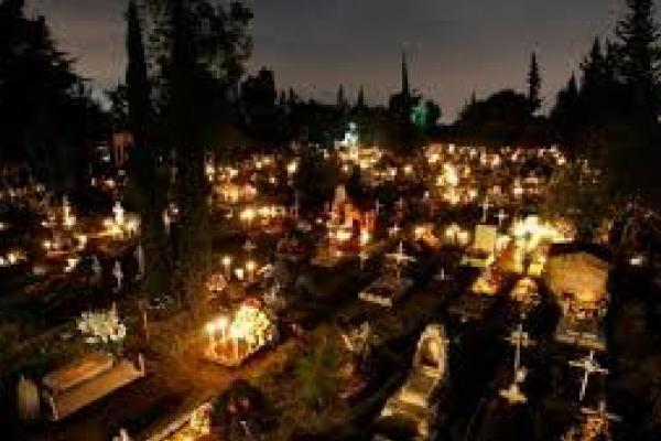 Нові обмеження: у Тернополі заборонили масово відвідувати кладовища
