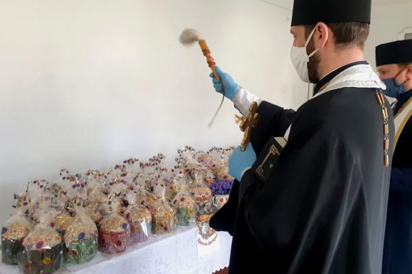 Тернопіль: у пекарнях міста освятили великодні паски