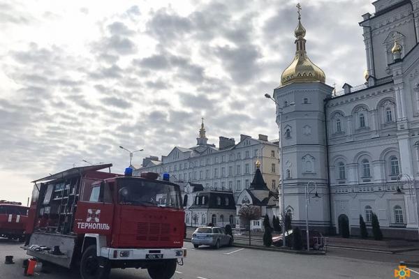 На території Почаївської Успенської лаври провели дезінфекцію (Відео)
