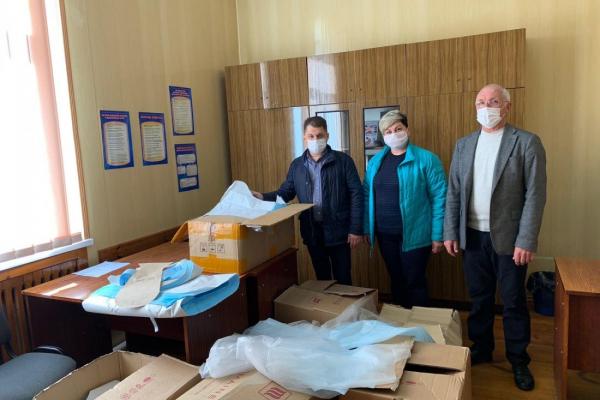 У ліцеї на Тернопільщині пошиють півтори тисячі захисних костюмів для медиків