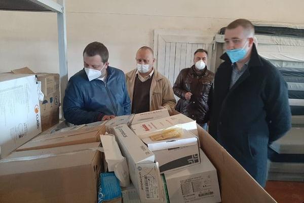 Медичні заклади Тернопільщини отримали 31 апарат штучної вентиляції легень та інше медобладнання, необхідне у період пандемії
