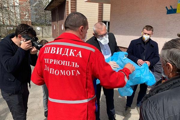 Проміжний звіт волонтерів Тернопільщини, які дбають про безпеку лікарів