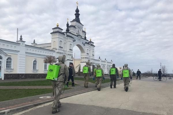 Коронавірус у Почаєві: відсутня допомога МОЗ та відра у палатах замість туалетів (Відео)
