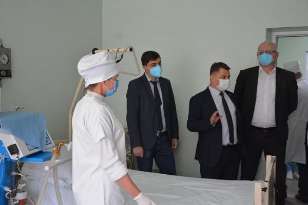Віктор Овчарук: «Новий медичний центр готовий для прийому важкохворих з коронавірусною інфекцією»