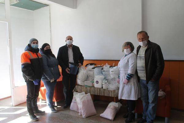 Вберегти село: фельдшерам, листоношам та соціальним працівникам Тернопільщини «Контінентал» передав засоби захисту