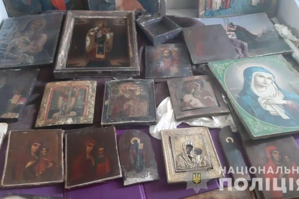 На впізнання викрадених ікон та хрестів на Тернопільщину їдуть церковні делегації зі всієї України