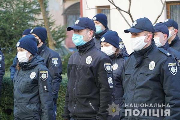 «Не розвішуйте заборонену символіку!»: у Тернополі  посилять патруль міста
