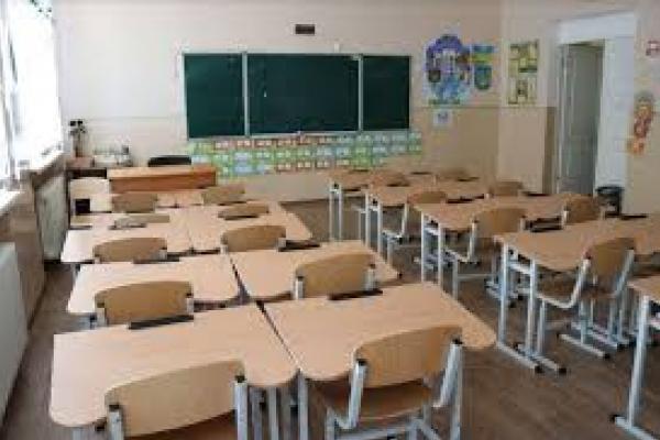 На Тернопільщині учні не повернуться за шкільні парти