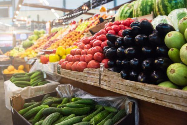 Перші підсумки відкриття продринків: антисанітарія шокує перевіряльників, а ціни — покупців