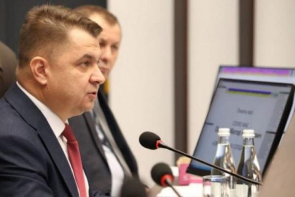 Тернопільскі чиновники віддали медикам краю 250 тисяч гривень із фонду своїх заробітних плат