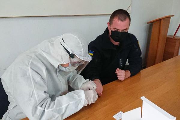 Тернопільських рятувальників перевіряють на COVID-19