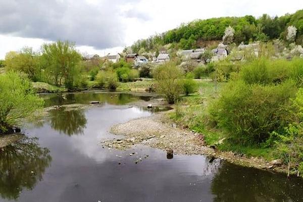 Біля Буцнева на Тернопільщині зникає річка Серет