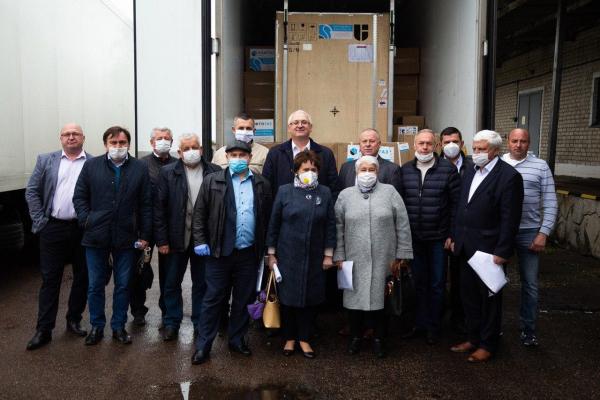 14 медичних закладів Тернопільщини отримали благодійну допомогу від великого бізнесу
