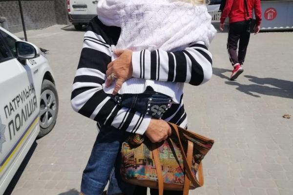 На тернопільському ринку знайшли зниклу дитину